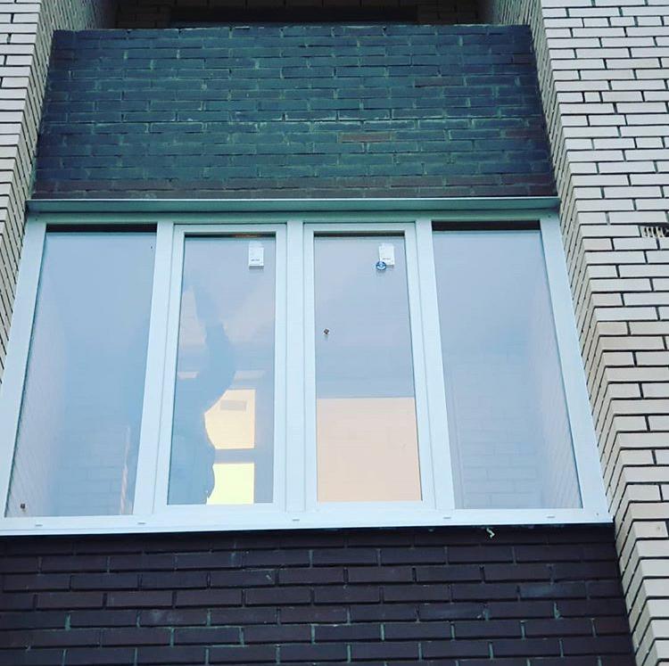 Почему в кирпичном доме установить окна дороже