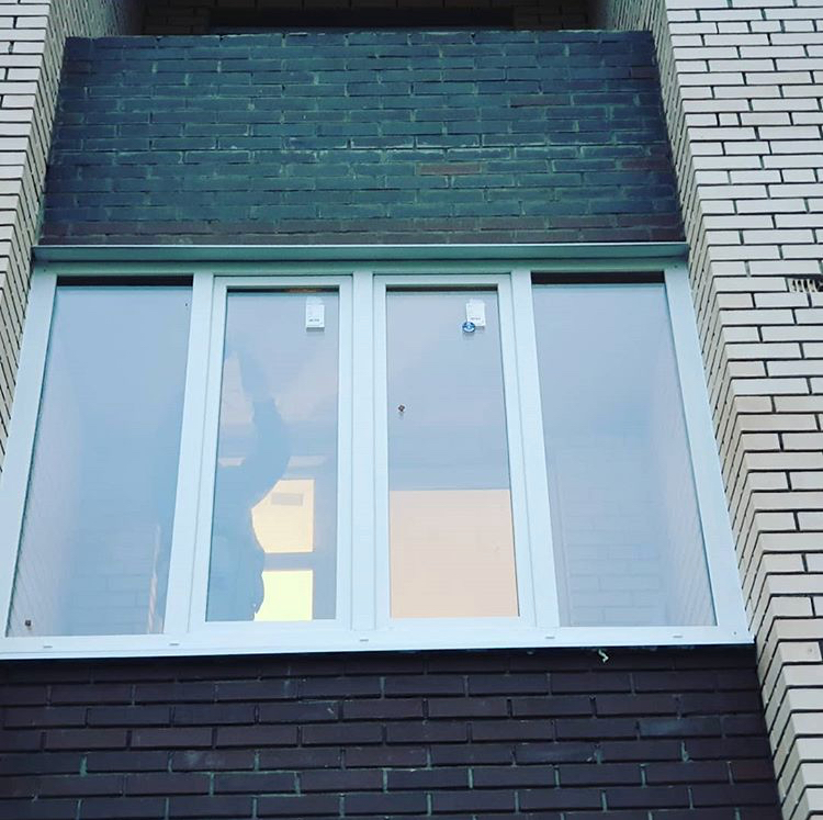 Установка пластиковых окон в кирпичном доме, особенности